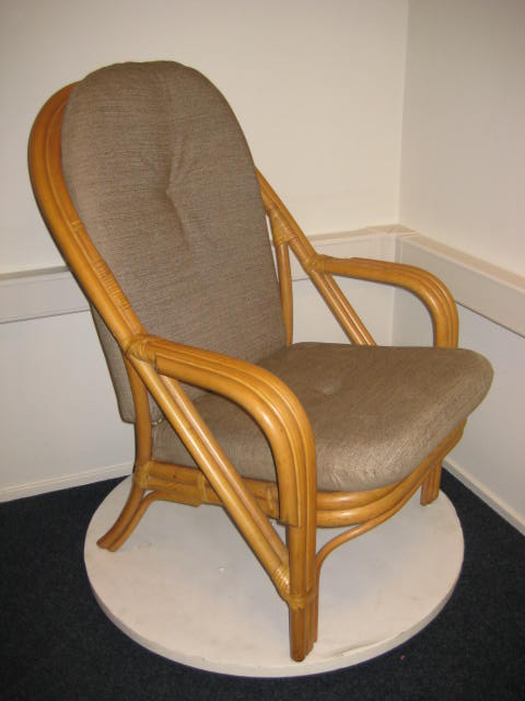 De rieten rotan manou stoel en lloyd loom meubelen site van Nederland.